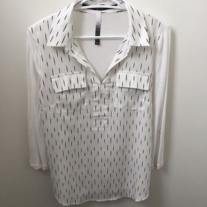 Kensie v-neck Blouse/tunic